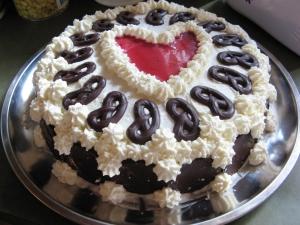 Lajla's layer cake by Lajla on rgbstock.com .